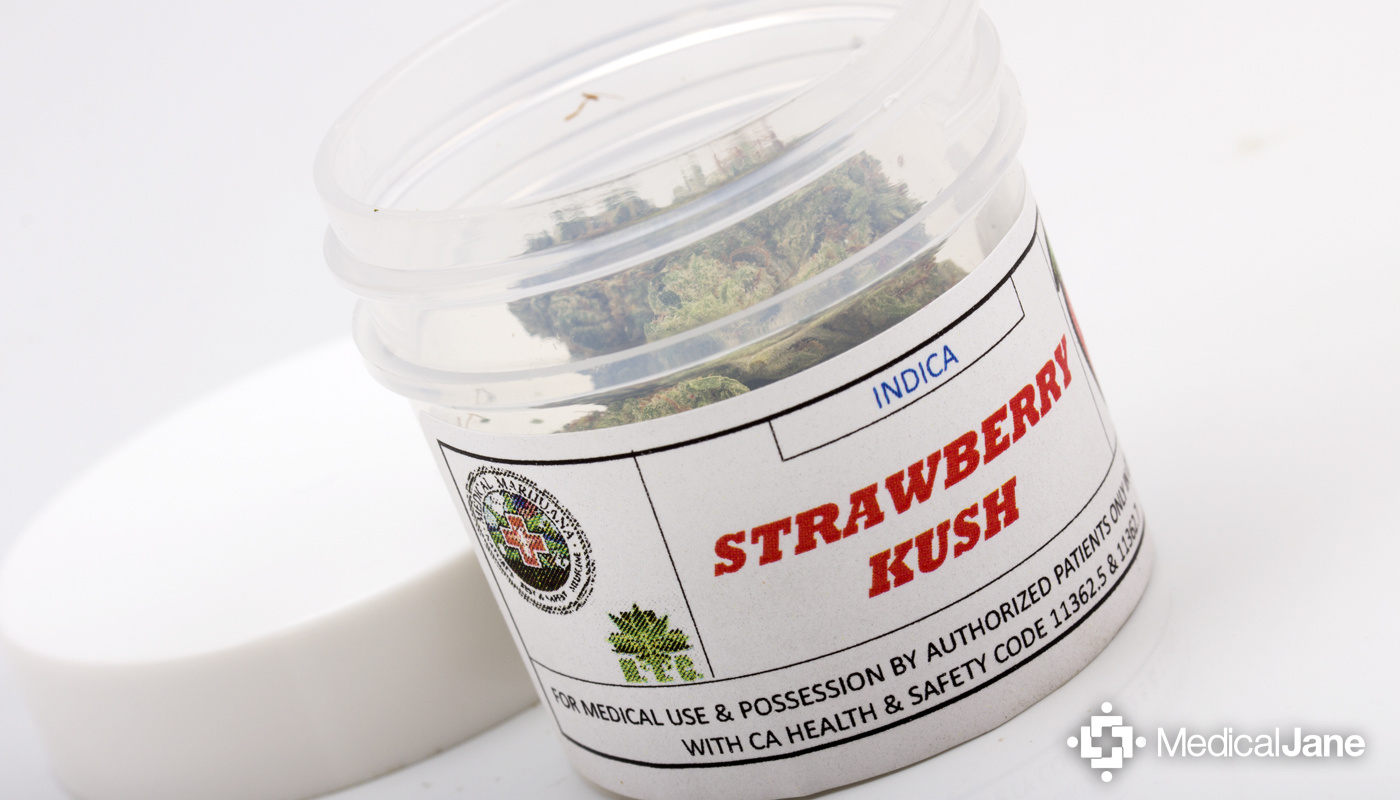 strawberry-kush-strain:-a-strong,-sweet-tasting-hybrid